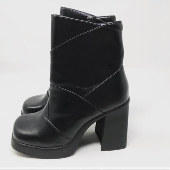 94aacd9bbfe2 90s vintage NWT grunge goth chunky heel boot sz 10